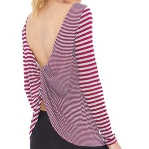 Beyond Yoga Scoop Loop T-shirt in Wildberry, Small